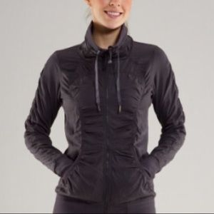 Lululemon Cool Down Reversible Gray Ruched Jacket